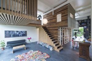 Blok met keuken, slaap- en badkamer in House of Rolf Bruggink Utrecht. Foto Jeroen Musch