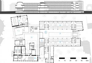 Plattegrond laag 0 en langsdoorsnede. A: auditorium B: burgerzaal H: Burgemeestershof I: informatiecentrum K: kantoren P: publiekshal met atrium R: receptie T: trouwzaal V: vergaderen.
