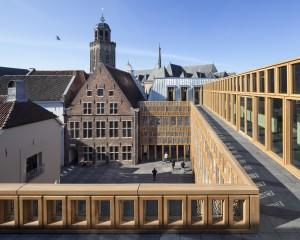dakterras 3e verd stadhuis Deventer, Neutelings Riedijk architecten. Foto Scagliola Brakkee