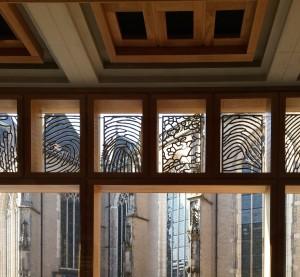 Traceringen vensters kerk waren inspiratie voor vingerafdrukkenkunstwerk Loes ten Anscher in stadhuis Deventer Foto Jacqueline Knudsen