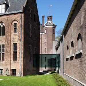Centraal Museum Utrecht SODA architecten. Volglazen brug tussen refter en stallen. Foto Jacqueline Knudsen