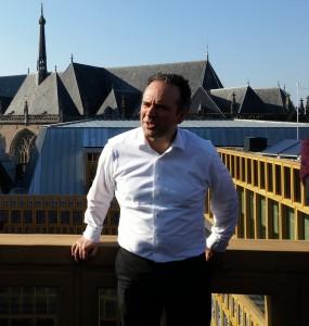 Michiel Riedijk op dakterras 3e verd stadhuis Deventer Foto Jacqueline Knudsen