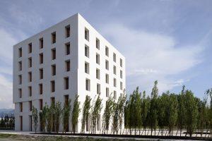 Het kantoorgebouw 2226 heeft een zeer lage energiebehoefte dankzij de dikke keramische muren.