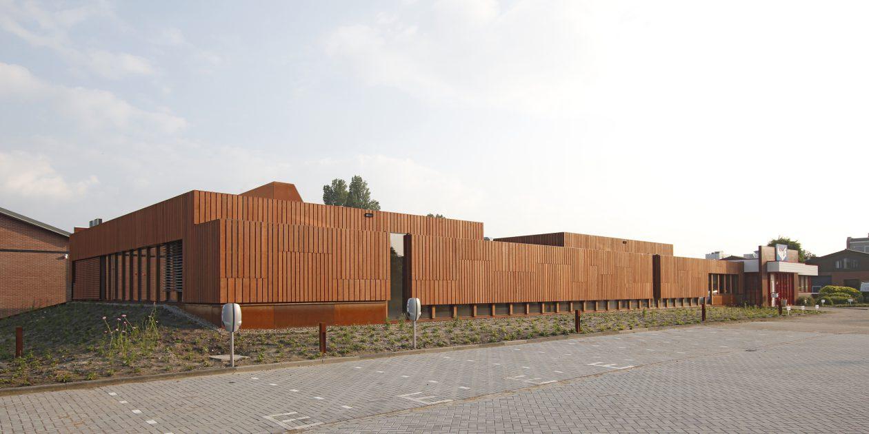 Paviljoens van hout en cortenstaal - Architectuur staal corten ...