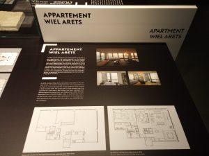 Aanpassing van het appartement van Wiel Arets in de 860-880  Lake Shore Drive Apartments in Chicago. Het opvallende lettertype is afgeleid van de Bauhausletter Futura.