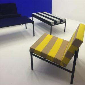 Artek lanceerde de Kiki Collection van Ilmari Tapiovaara met een eigentijdse stof van Raf Simons.