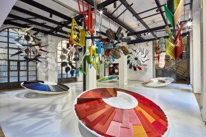 De vier kleurwerelden van Hella Jongerius voor Vitra, in een installatie van ontwerpbureau Muller Van Tol