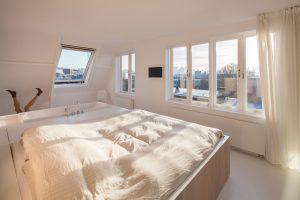 4e verdieping: slapen en baden met uitzicht op Rotterdam