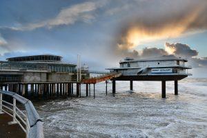 stalen eiland pier scheveningen wordt op 25 augustus weggesleept en gedemonteerd