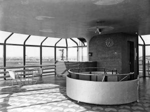 tearoom op het dak van de Van Nellefabriek ca 1930