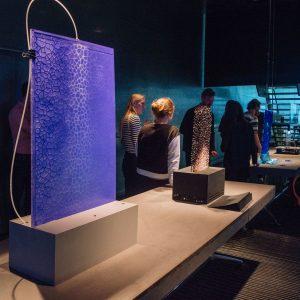 Vier proefopstellingen op de Amsterdamse burelen van architectenbureau Benthem Crouwel in het kader van het onderzoeksproject Forces of Architecture, dat de architecten samen met Jólan van der Wiel uitvoeren
