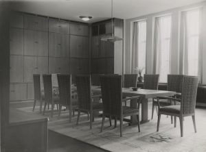 Gispen plafondlamp in de oude bibliotheek van Museum Boijmans 1935
