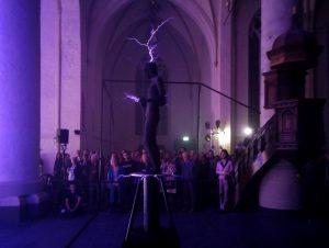 Performance Carlos van Camp bij opening expositie METABOLISM van Iris van Herpen in Bergkerk Deventer - Foto Jacqueline Knudsen