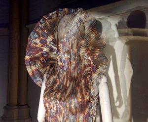 Hacking Infinity dress van Iris van Herpen in Bergkerk Deventer - Foto Jacqueline Knudsen
