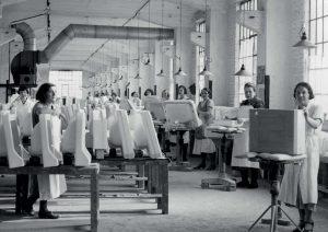 De Eiffel in gebruik als sanitairfabriek