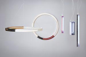 Sabine Marcelis maakt sculpturale neonlampen van bontgekleurde kunststof