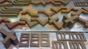 Bricks of the Future. Studenten van de Academie van Bouwkunst in Amsterdam hebben zich gebogen over nieuwe toepassingen van de aloude baksteen. Door stenen hol of dunner te maken kunnen ze met minder energie worden vervaardigd
