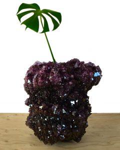 Isaac Monté maakt unieke Crystal vazen en lampen in verschillende kleuren en maten.