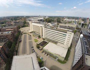 Situatie kantoor Philips Lighting voor de transformatie. Het gebied was toen nog een gesloten enclave in de stad.