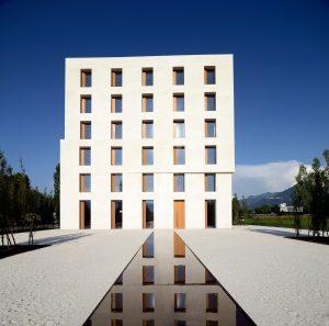 Office building in Lustenau, Austria  http://www.baumschlager-eberle.com