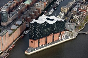Elbphilharmonie in HafenCity Hamburg. Foto Michael Zapf.