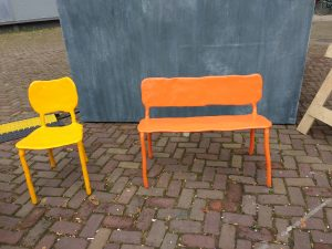 Clay stoel Foto: Petra Starink