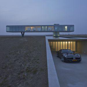 Villa Kogelhof is een iconisch gebouw dat middenin het Zeeuwse Noord-Beveland ligt op een modern landgoed van 25 hectare.