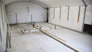 Op de goed geïsoleerde vloer kan vloerverwarming aangebracht worden.