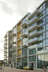 In Buiksloterham, de nieuwe woonwijk in Amsterdam Noord, bouwt Koehler ook een Superlofts blok
