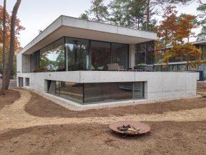 Villa Kerckebosch Zeist. In de zij- en achtergevel is veel glas toegepast. Foto Jacqueline Knudsen.