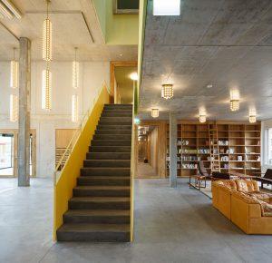 Bibliotheek Cooperatief Kalkbreite in Zürich. 2014. Müller Sigrist Architekten. Foto Martin Stollenwerk.