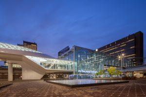 Haags Startstation Erasmuslijn, ZJA Zwarts & Jansma Architects en OV-terminal Den Haag Centraal, Benthem Crouwel Architects