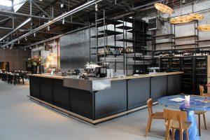 Voor de Kazerne, sinds 2014 een culturele en culinaire hotspot in Eindhoven, maakte Studio Jeroen Wand een exclusieve en  bijzondere bar.