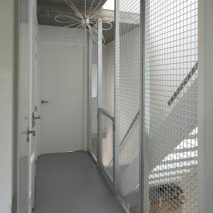 Thermisch verzinkte hekwerken bij de trappen. Foto Corné van de Kraats