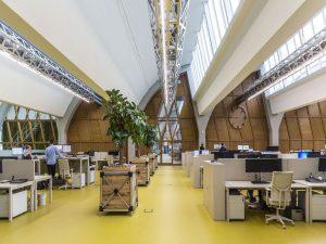 Kantoorvloer met de nieuwe wand van diederendirrix architectuur & stedenbouw en Aart van Asseldonk • Foto JW Kaldenbach