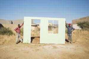MOME is een modulair woningsysteem gemaakt met eenvoudig en snel te installeren composiet sandwichpanelen, bedacht als alternatief voor de sloppenwijken in Namibië. Het project heeft nu al een grote impact