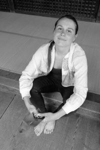 Alice Bleton (1991) studeerde januari 2017 cum laude af aan de Design Academy Eindhoven, binnen de afdeling Public/Private, met haar ontwerp voor de Monade Capsule.