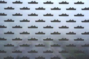 Zonwerende fritting op de ramen in de vorm van bootjes