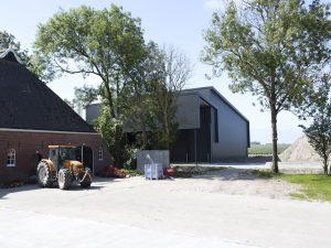 Nieuwe schuur bij boerderij Lutjebosch in Usquert. Architectenbureau Rombou • Foto Marianne Berkhoff