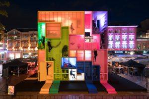 Een opvallend ontwerp tijdens de Dutch Design Week is het WeGo Hotel op de Markt in Eindhoven, een tijdelijk hotel ontworpen door Winy Maas van MVRDV. Foto: Ossip van Duivenbode