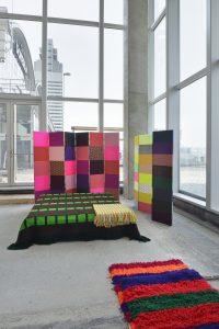 Textiele installatie van Fransje Killaars