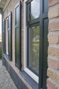 Bij alle vensters is gebruik gemaakt van het SOFTLINE 82 NL RETRO profiel