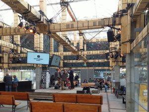 Het People's Pavilion op Strijp-S in Eindhoven is gebouwd met geleende materialen. foto Jacqueline