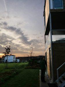Links villa de Haan (wit) rechts de modelwoning op Kubuseiland Utrecht, Foto Jacqueline Knudsen