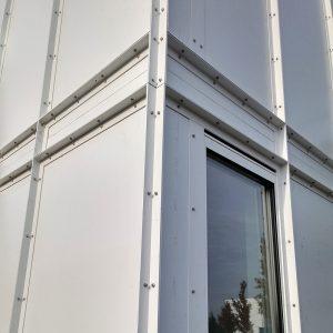 Bij Huis De Haan, de tweede woning met het BILT bouwsysteemzijn de gevel elementen zonder bekleding toegepast. Foto Jacqueline Knudsen.
