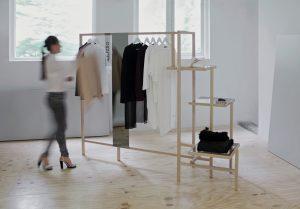 Vestis, een kledingrek voor het bevriende StudioRUIG
