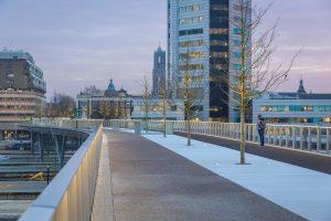 Moreelsebrug Utrecht, Cepezed • Foto Leon van Woerkom. Van alle in dit artikel getoonde projecten is het lichtontwerp gemaakt door Arup.