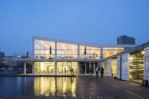 Dick de Gunst, architect bij Hans van Heeswijk architecten en lid van RIC, ontwierp de renovatie van de overige ruimten van het clubgebouw van RIC aan de Amstel • Foto Joy Sinclair Tengker