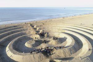 Ringen aan Zee Scheveningen 200 jaar badplaats  Kunst project van Bruno Doedens SLEM