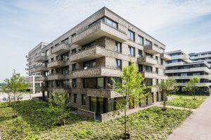 De Zeebonk is een vijflaags gebouw met 35 huurappartementen op het Amsterdamse Zeeburgereiland.